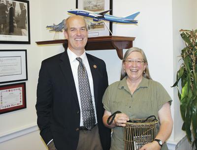 Shutdown keeps MV weaver from Smithsonian exhibit
