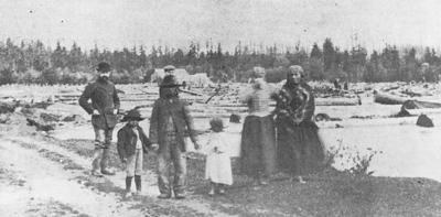 Native American families on Stilly River ~1907