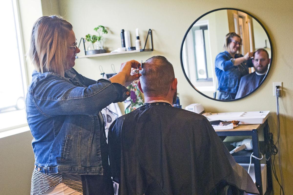Barbershop opens in Stanwood's west end