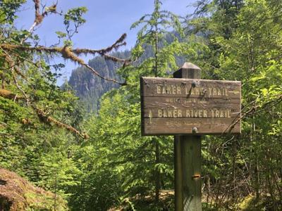 Baker Lake Trail sign