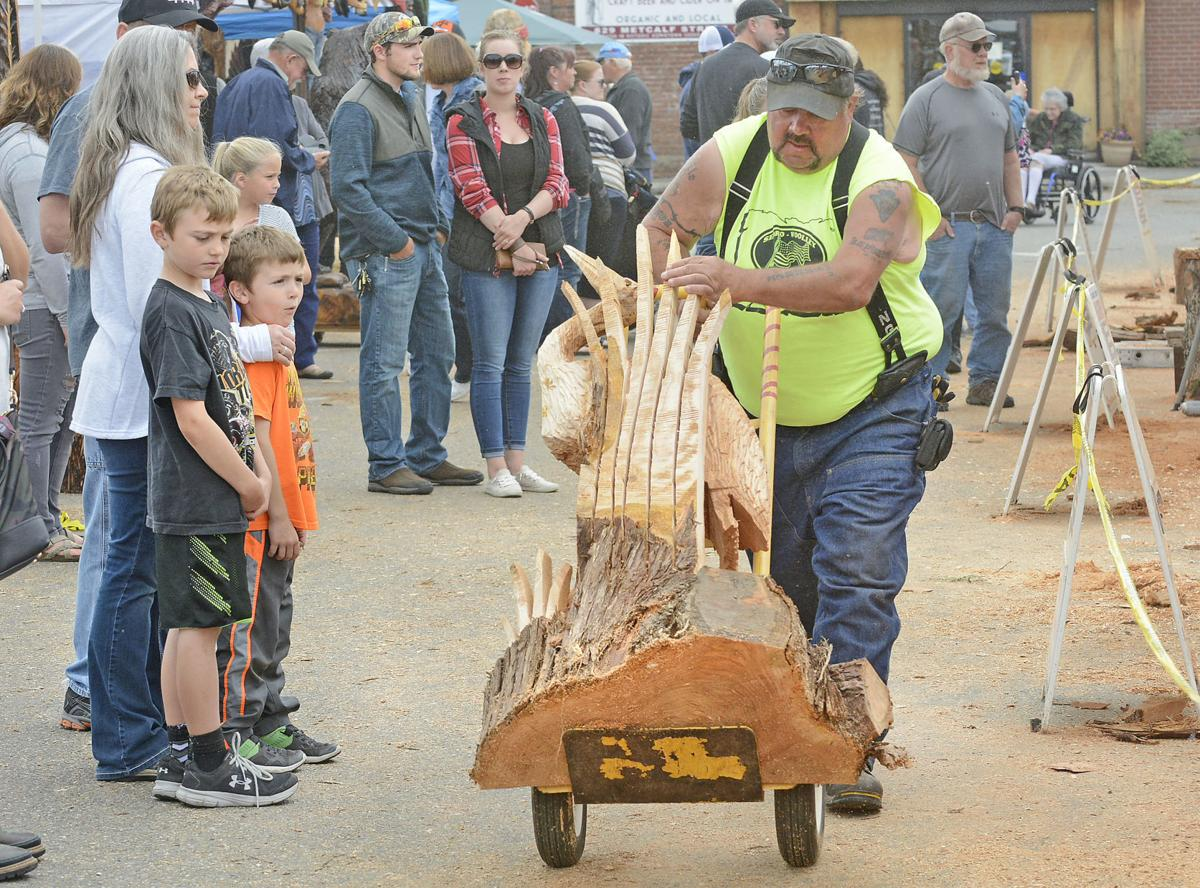 Sedro woolley loggerodeo chainsaw carving featured galleries