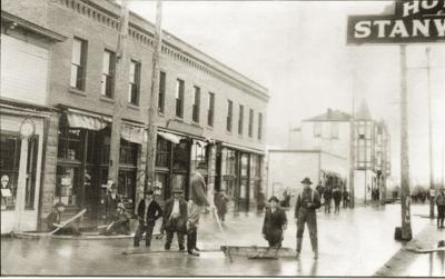 Stanwood's Market Street in early 1900s