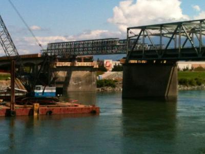 Temporary bridge span
