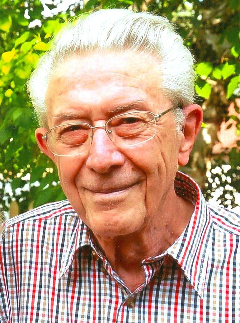 Dr Gordon A Leroux Dds Obituaries Grandrapidsmn Com