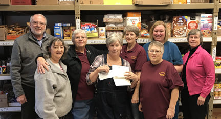 Deer River Area Food Shelf volunteers