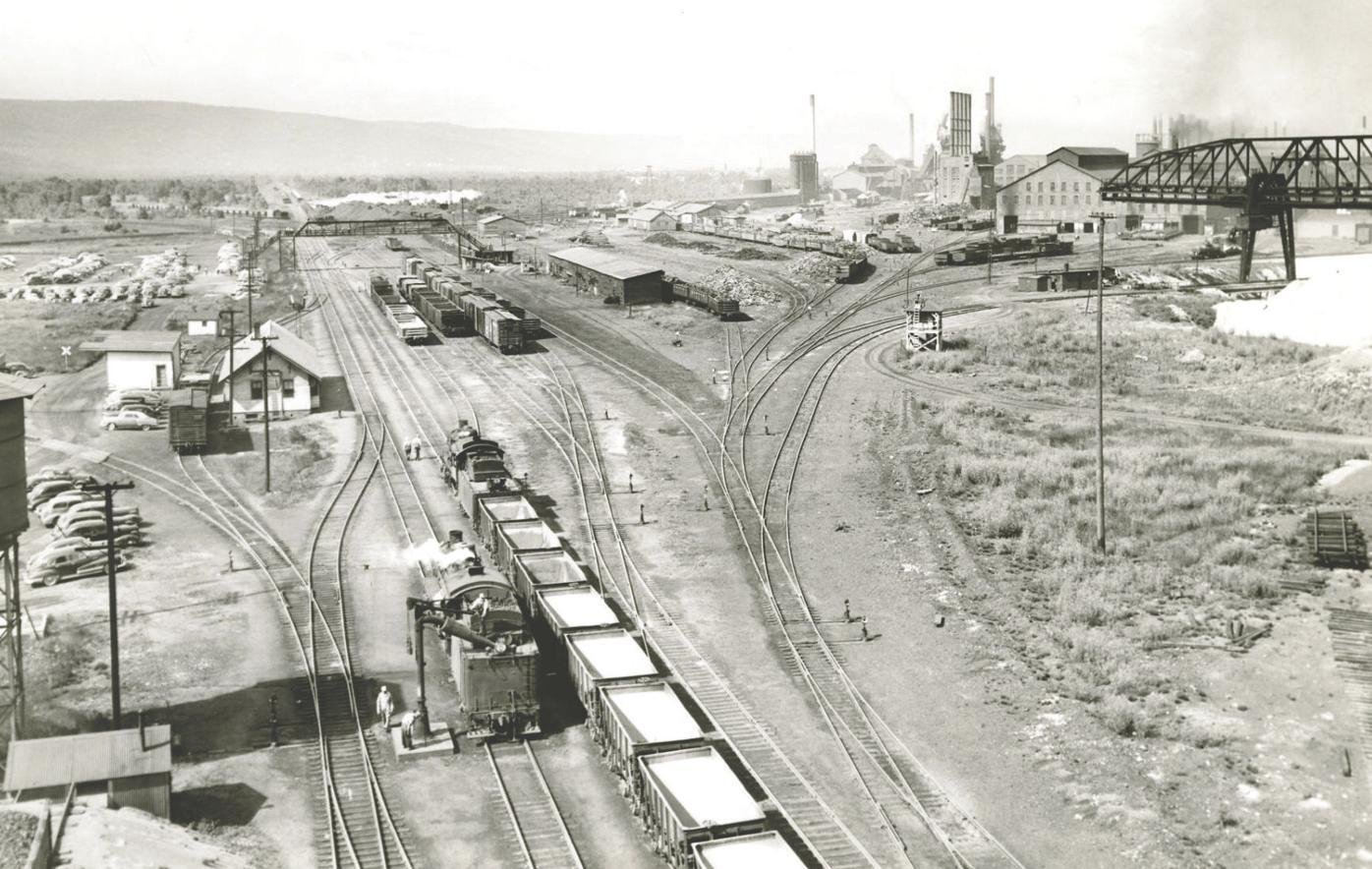 duluth works steelton yard 1950.jpg