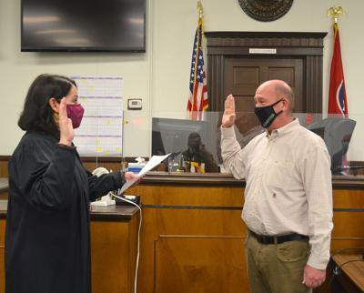 Ron Metcalfe Jr. Sworn In As Grand Jury Foreman