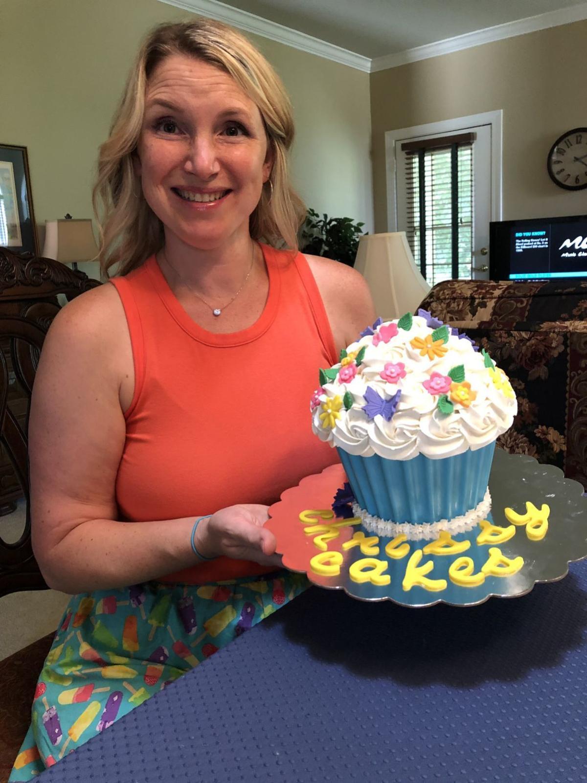 Chrissy Pryor Finished Cake