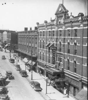Historical picture of the Brumley Hotel