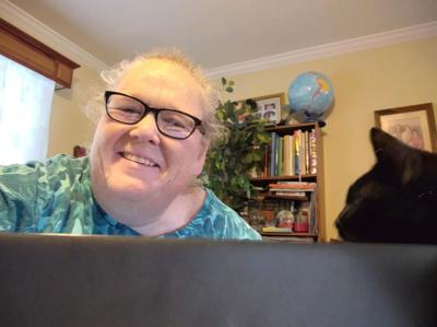 Amy Rose at computer