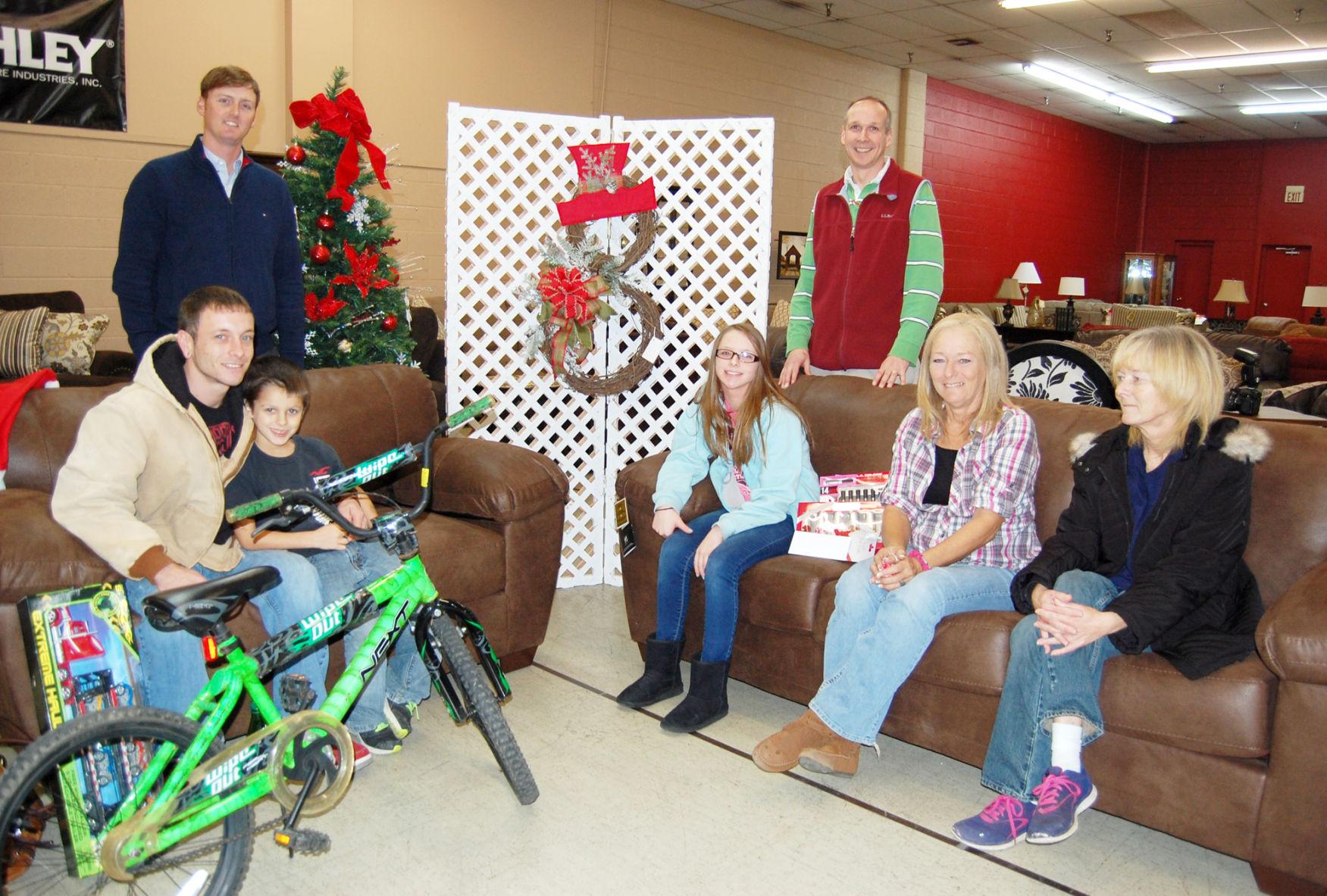 Roberts Furniture Donates To 2 Families In Need   Local News    Greenevillesun.com