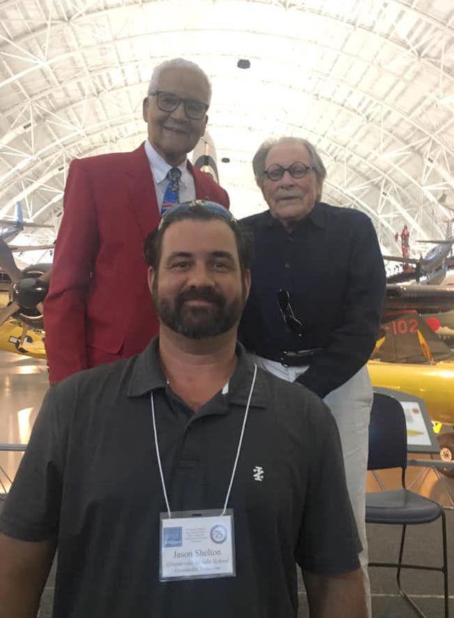 Shelton with veterans