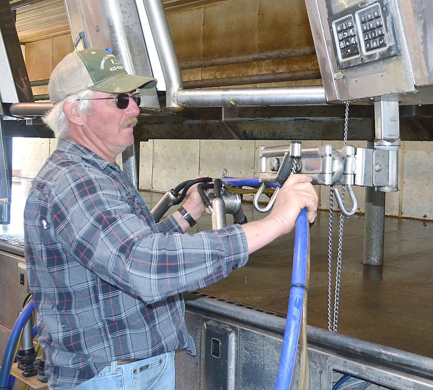 Glenn Tweed Shows Off Milking Machine