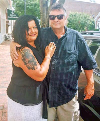 Angelia Gay Sliger Weds Thomas Edward Luttrell