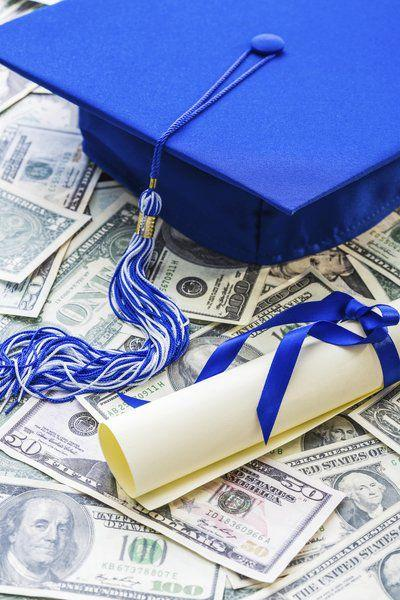 Guidance Counselor discusses college funding