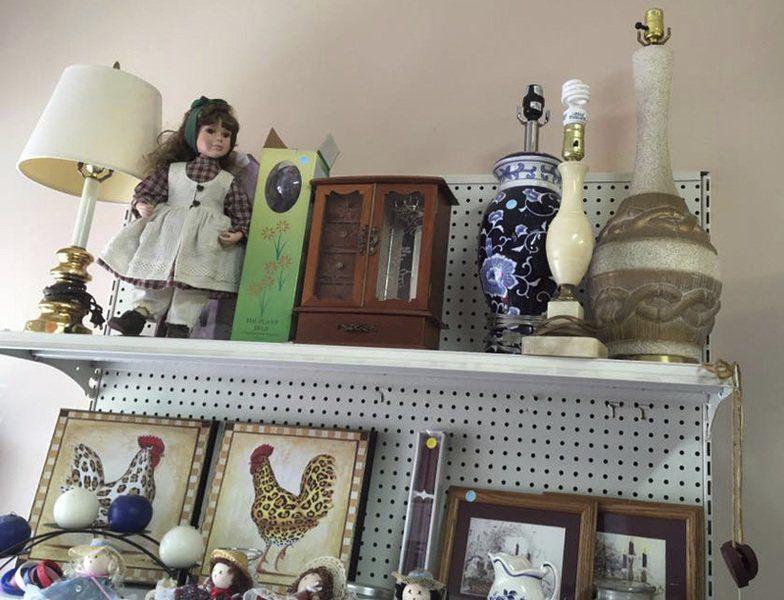 Thrift shop discount raises money for homeless shelter