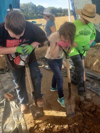 Local students visit archaeological site