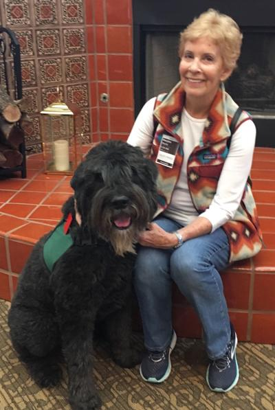 Hospice patients welcome therapy dog