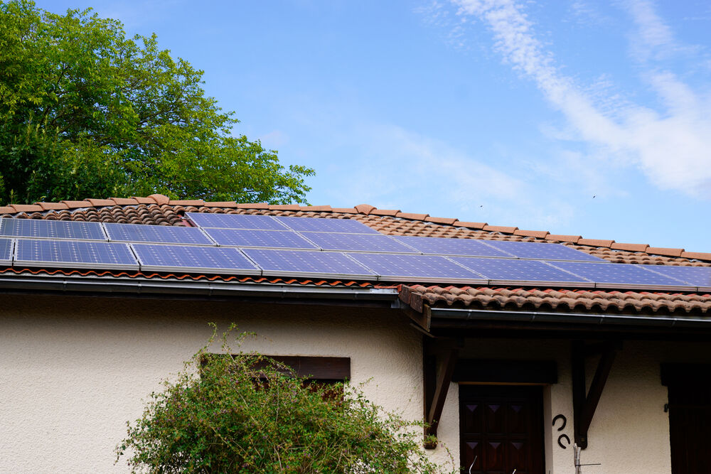 Rosie on the House: Power electronics & appliances with solar