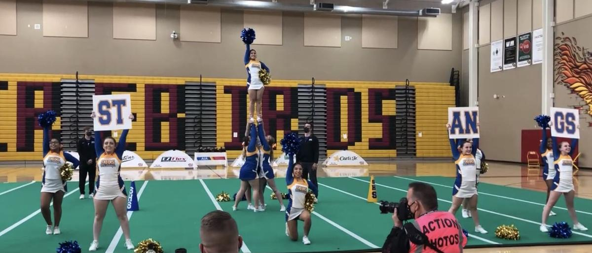 cheerleader1.JPG