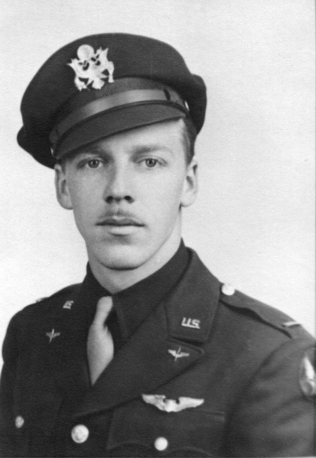 2nd Lt. Johnson abt Oct. 1943 085.jpg
