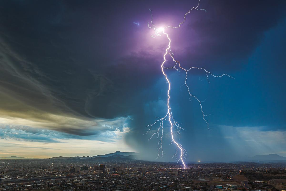 Predawn Thunderstorm/El Paso