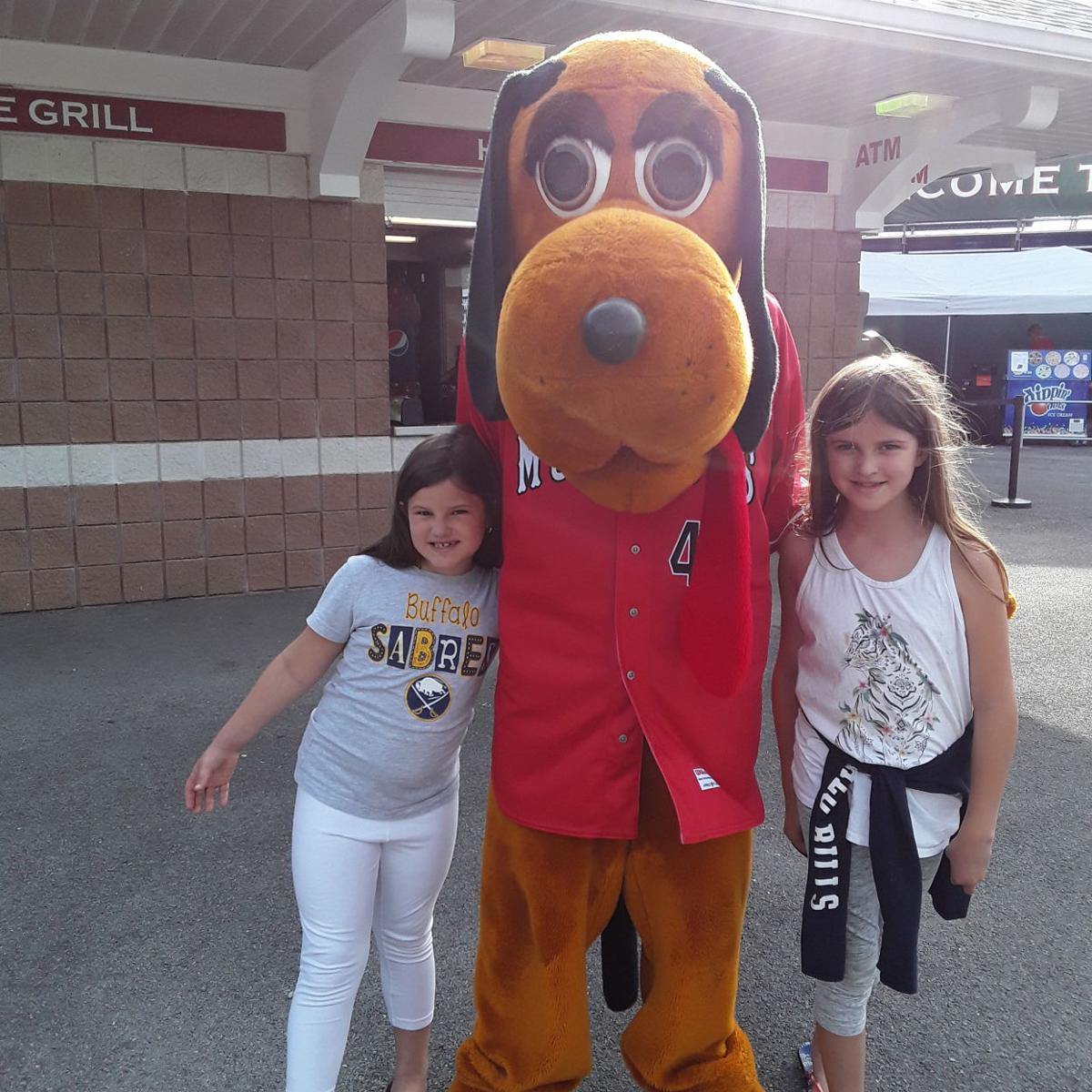 #gvpsmuckdogs Alexis & Bailey kasper with Homer