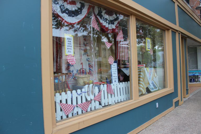 """Finders Keepers post-Memorial Day window """"Sheila! We Can Wear White Shoes and Belts Now!"""""""