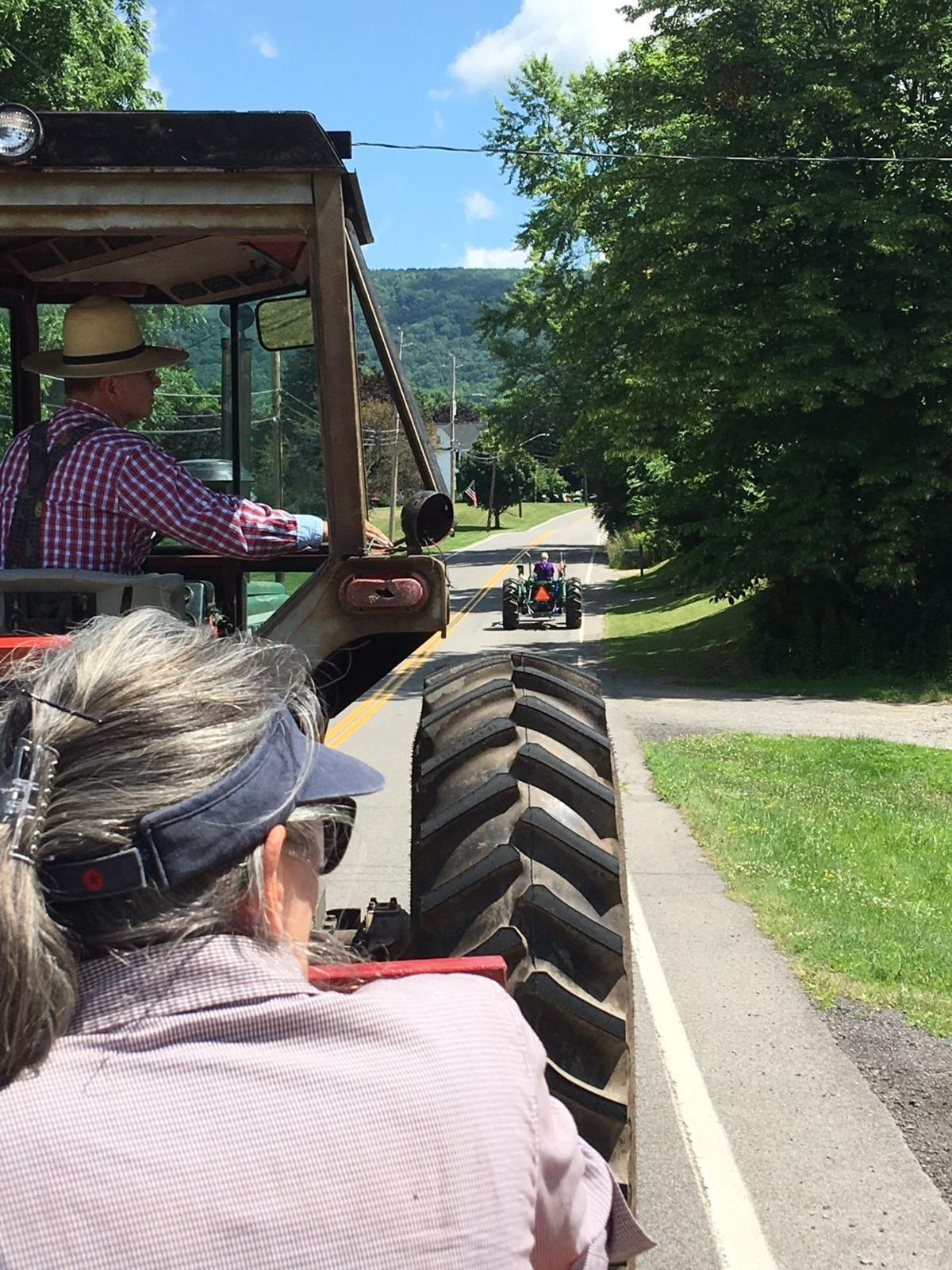Alan Howe and Guests follow Paul on his tractor!