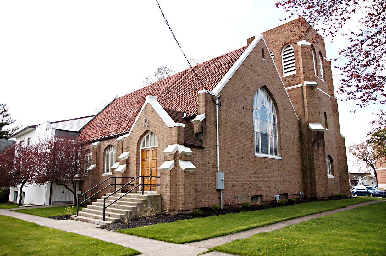 First Presbyterian Church Holley.jpg