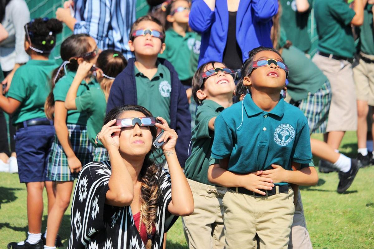 Hanford Schools enjoy the eclipse