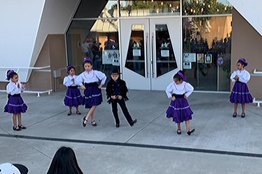 Centro: Dancers