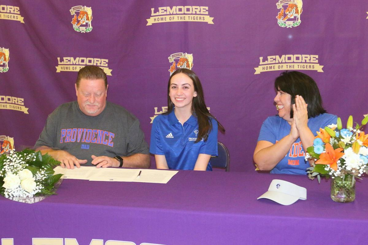 Sweeney signs NLI to play golf at Providence Christian College