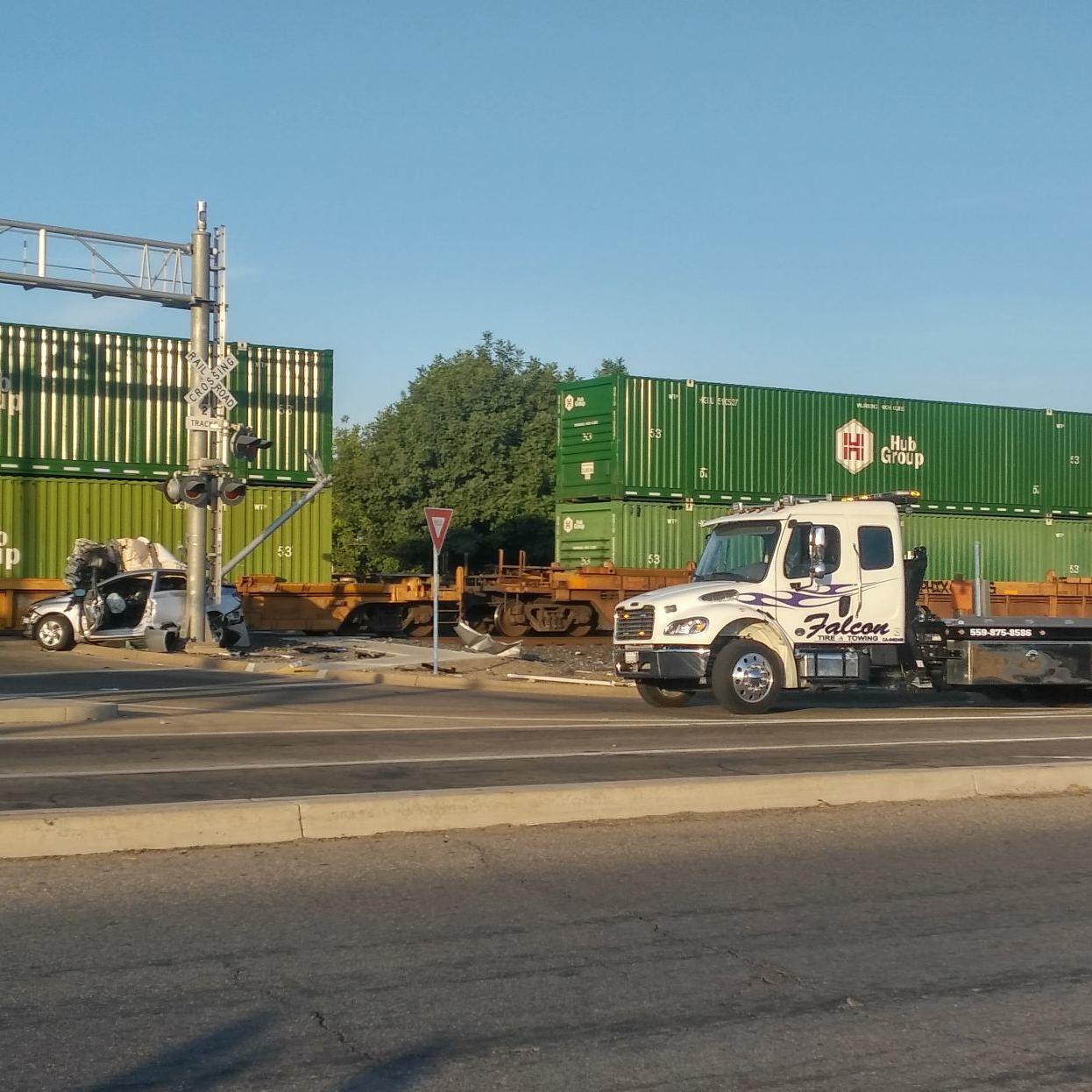 Man dies in crash with train in Kingsburg   News