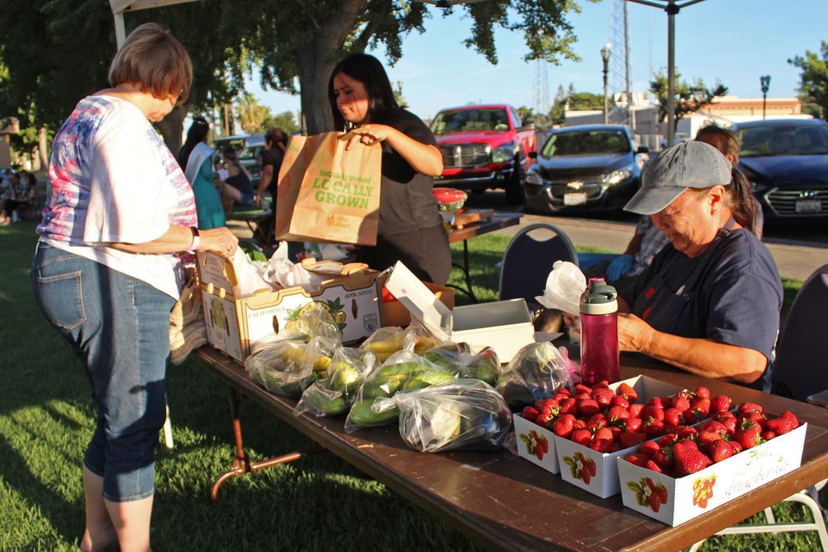 Selma summer concerts: Veggies, fruits