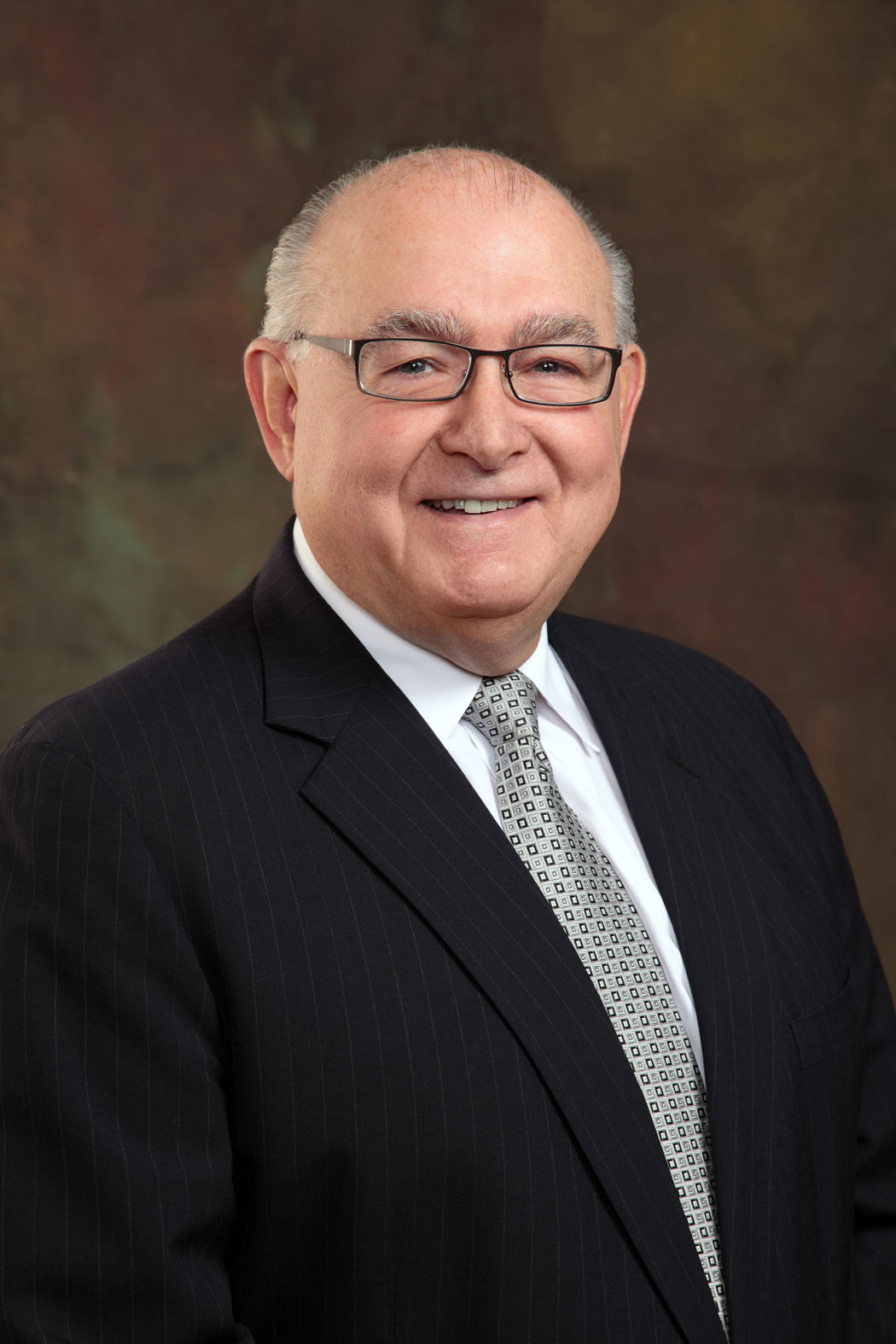 WHCCD chancellor plans to retire