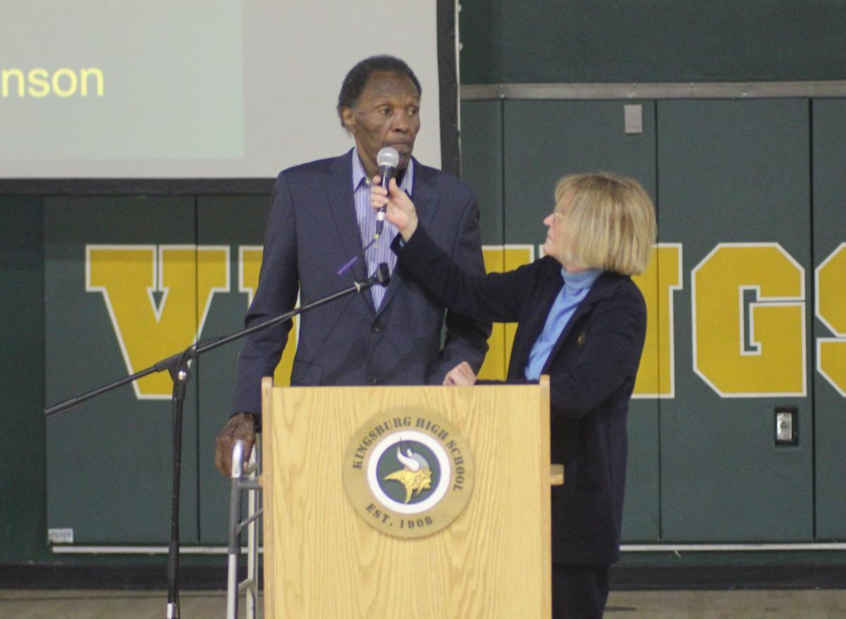 Rafer Johnson gets inducted into Kingsburg Hall of Fame