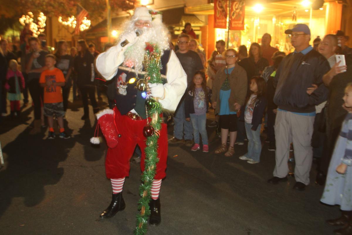Julgransfest: Santa