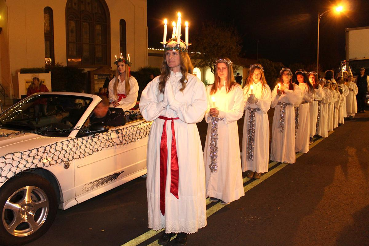 santa lucia parade light procession recalls martyr s shining example news. Black Bedroom Furniture Sets. Home Design Ideas