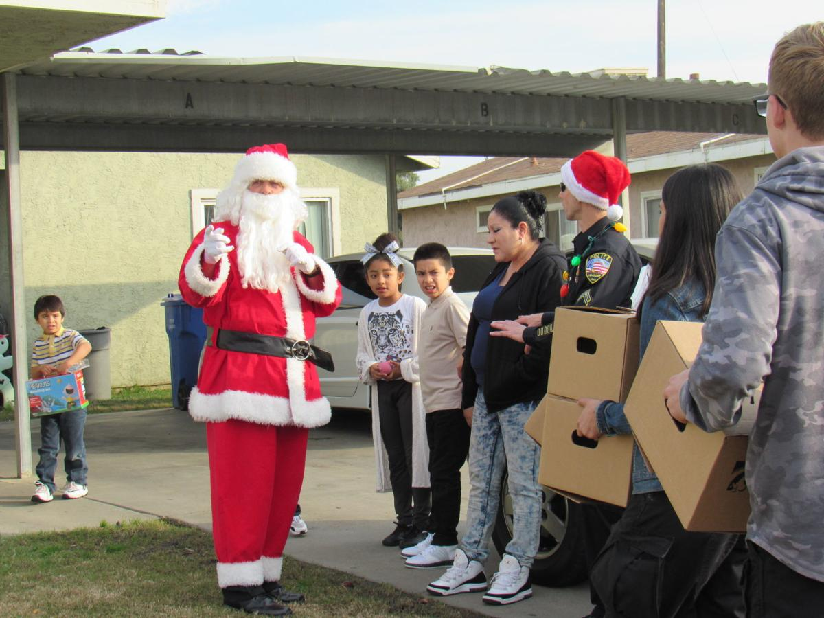 Santa gets a lift from Lemoore PD | Local | hanfordsentinel com