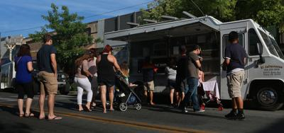 Hanford Council talks food truck ordinance, other business at meeting