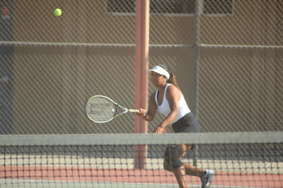 Selma girls tennis