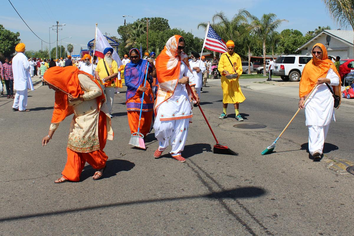 Sikh procession: Cleaning