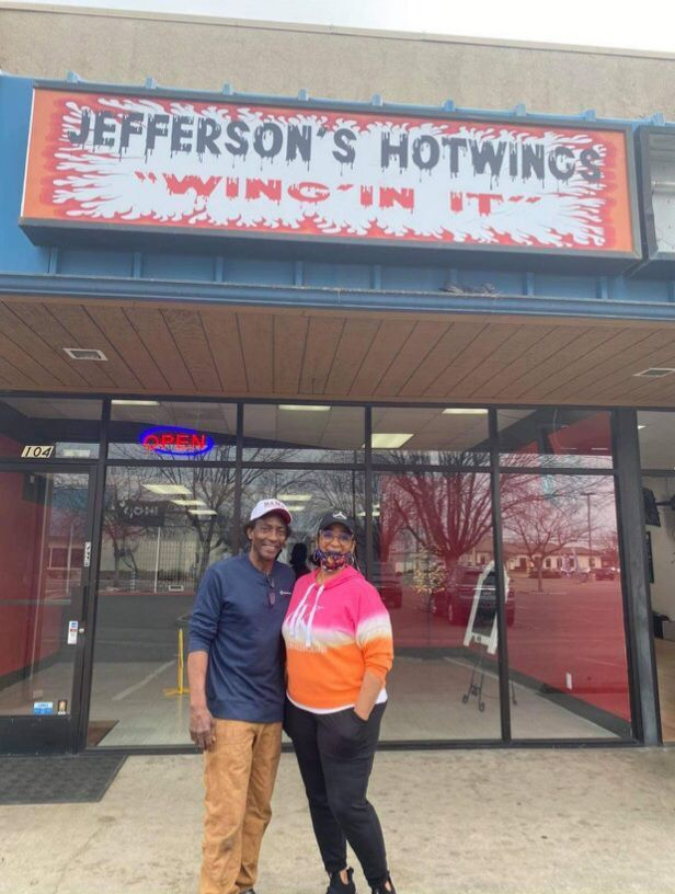 Life Again?: Jefferson's Hotwings brings the flavor