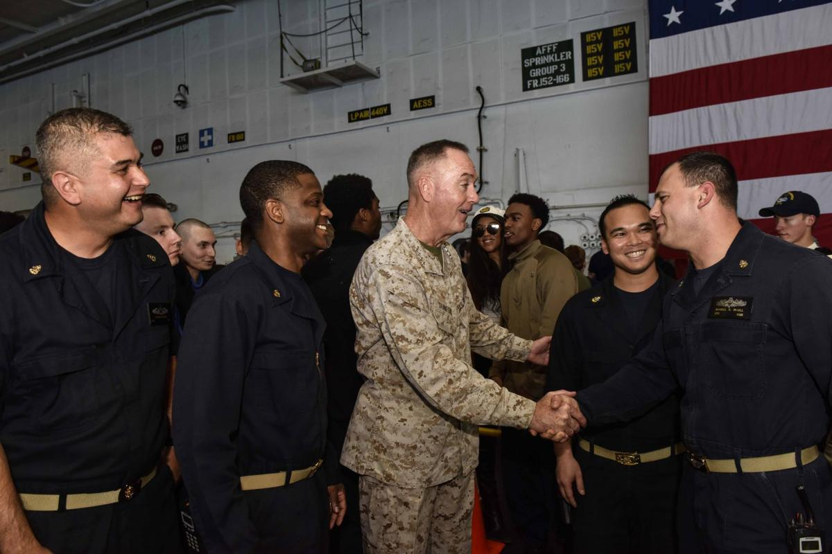 Chairman of the Joint Chiefs of Staff Visits TR on USO Holiday Tour