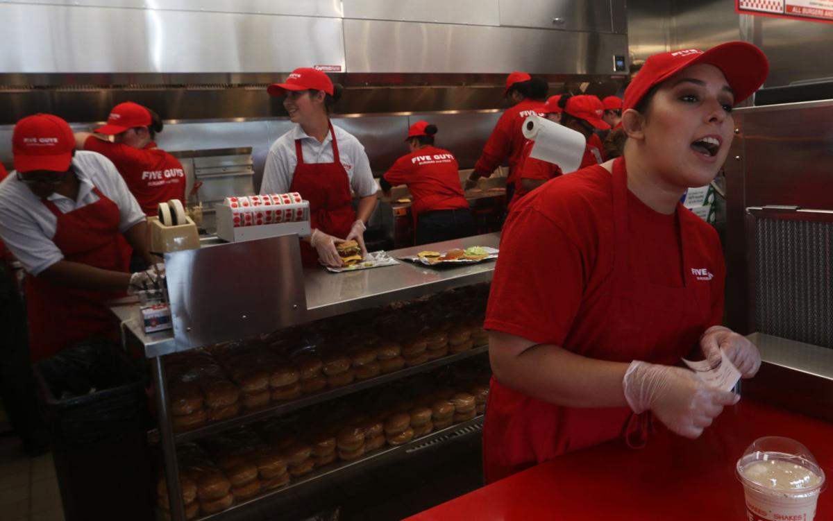 Five Guys hamburgers opens in Hanford