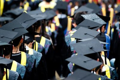 Universities: Graduates and Dean's Lists