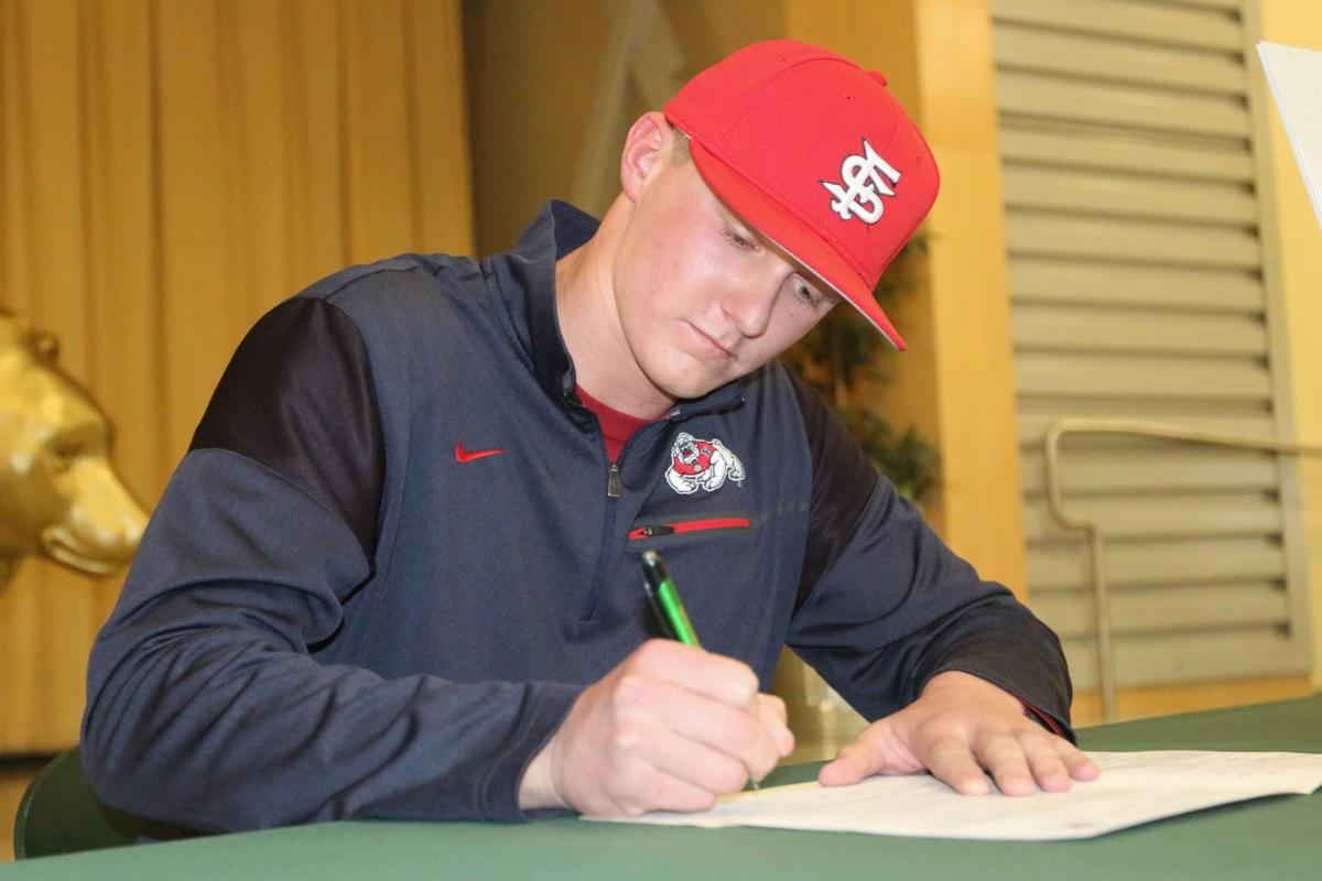 Making it official: Springer signs with Fresno State