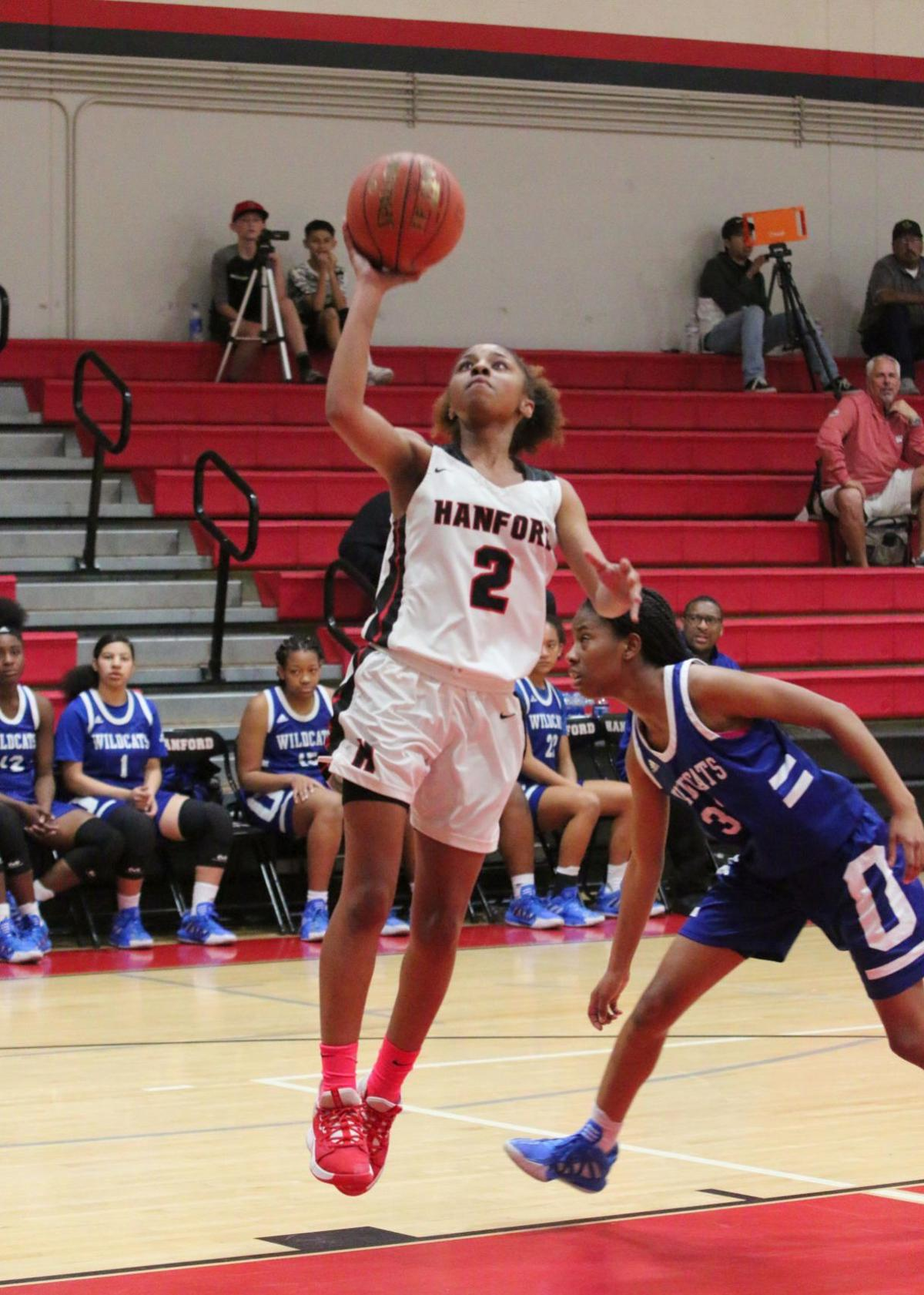 Bullpups overcome slow first quarter, defeat Wildcats in first round of state playoffs