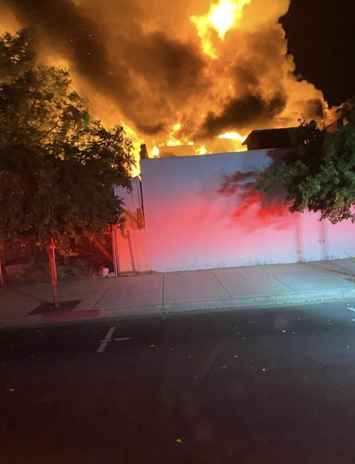 Fire destroys abandoned building in downtown Hanford